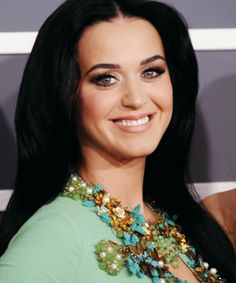 She looked BEAUTIFUL!!! Katy Perry - Grammy Awards 2013