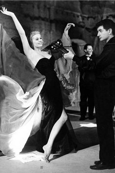 Anita Ekberg filming the Terme di Caracalla for La Dolce Vita (Fellini), photo: Pierluigi, 1960.
