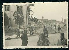 zdjęcie zniszczonego we wrześniu 1939 narożnika na skrzyżowaniu Nowa-Przystankowa.