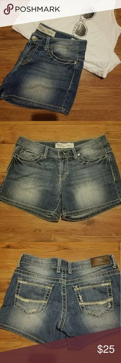 BKE denim Culture jean shorts BKE denim Culture jean shorts sz 27  99% cotton, 1% spandex. These are like new purchased from Buckle. Very well made shorts with thick stitching! BKE Shorts Jean Shorts