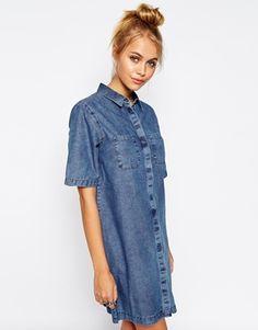 ASOS - Robe chemise en jean à délavage moyen clair et poche plaquée