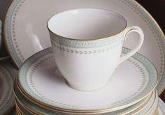 Royal Doulton Berkshire TC1021 8 Inch Plate, http://www.amazon.co.uk/dp/B000O5GZ1E/ref=cm_sw_r_pi_awdl_snbpwb05C9S99
