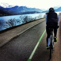 Cycling round lake Annecy. #cycling #alps #mountains