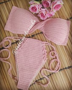 ideas crochet bikini top halter swimsuits for 2019 Crochet Mittens, Crochet Gloves, Crochet Shawl, Diy Crochet, Crochet Ideas, Crochet Summer, Crochet Top, Motif Bikini Crochet, Crochet Lingerie