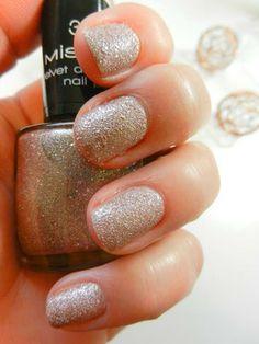 Misslyn Velvet Diamond, ein wunderhübscher Sandlack :-)
