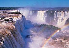 Le Cascate di Iguazu sono tra le piu belle del mondo con altezze fino a 70 metri. | Immagini del Mondo