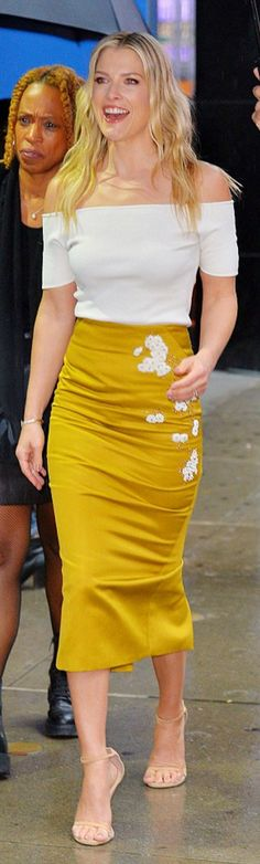 Who made Ali Larter's yellow floral skirt, nude ankle strap sandals, and white off the shoulder top?