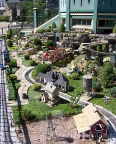 Castle Farms Garden Railroad - if we ever go to Michigan we should stop here. Get some ideas to build our own Garden Railroad! Garden Railings, Garden Railroad, Model Train Layouts, Northern Michigan, Farm Gardens, Fairy Houses, Model Trains, Toy Trains, Beautiful Gardens