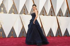 Sofia Vergara tenue en robe bleue the oscars 2016