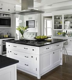 A successful small kitchen needs an efficient layout, smart cabinetry, and plent. A successful small kitchen needs an efficient layout, smart cabinetry, and plentiful storage. See how it& done by touring these savvy small kitchens. White Kitchen Cabinets, Kitchen Cabinet Design, Interior Design Kitchen, Kitchen Designs, Dark Cabinets, Kitchen White, Black Countertops White Cabinets, Closed Kitchen Design, Color Interior