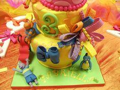 Loving this cake...