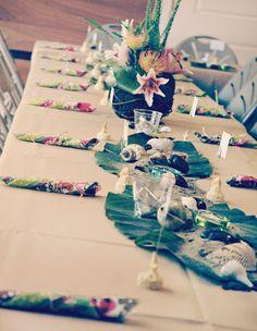 hawaiian-luau-party-table-beach-centerpiece