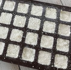 easy-to-make homemade natural dishwasher detergent tabs and they REALLY WORK! Cleans stuck-on food, gets silverware shiny, & glasses sparkling! DIY essential oil recipe for dishwasher detergent tabs. Dishwasher Tabs, Dishwasher Detergent, Homemade Cleaning Supplies, Cleaning Hacks, Cleaning Solutions, Natural Laundry Detergent, Essential Oils Cleaning, Cleaners Homemade, Diy Cleaners