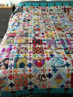 A Symbol Recomposed - quilting by Lorena in Sydney, via Flickr UNBELIEVABLE!