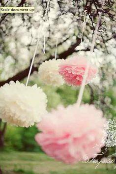 Una boda en color pastel decoracion con pompones rosas y blancos en el campo Tissue paper pom poms in pretty pastel shades | eBay UK