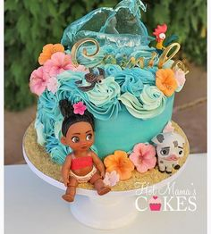 This is not my design, I'm not sure who the cake artist is but thank you for the inspiration! Moana Party, Moana Birthday Party Theme, Moana Themed Party, Moana Birthday Cakes, Moana Theme Cake, Moana Cake Ideas, Hawaiian Birthday, Luau Birthday, First Birthday Cakes
