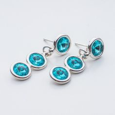 Swarovski Rivoli Earrings 6/6/6mm Light Turquoise  Dimensions: length: 3,2cm stone size: 6mm Weight ( silver) ~ 3,30g ( 1 pair ) Weight ( silver + stones) ~ 3,95g Metal : sterling silver ( AG-925) Stones: Swarovski Elements 1122 SS29 ( 6mm ) Colour: Light Turquoise 1 package = 1 pair  Price 9 EUR Rivoli, Light Turquoise, Dimensions, Swarovski Crystals, Silver Jewelry, Stud Earrings, Bling, Metal, Earrings