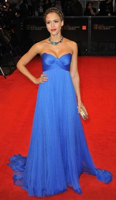This is one of my favorite red carpet looks of hers.  She was in early pregnancy & it shows! I love the bright blue!