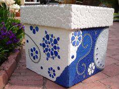 Made from blue and white cut glass mosaic, with a ceramic tile border. Mosaic Planters, Mosaic Flower Pots, Mosaic Garden, Garden Art, Garden Ideas, Mosaic Crafts, Mosaic Projects, Mosaic Ideas, Terracotta Plant Pots
