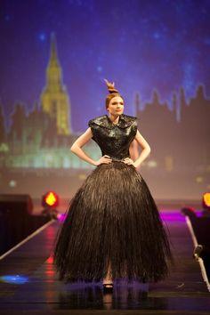 Stunning woven design by Maori fashion designer Shona Tawhiao >>