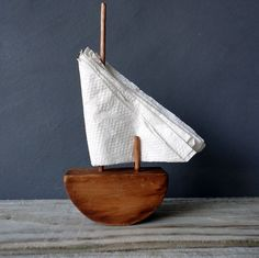 Find images and videos about nautical, sailboat and napkins napkin holder on We Heart It - the app to get lost in what you love. Wc Container, Wood Projects, Woodworking Projects, Woodworking Organization, Woodworking Quotes, Woodworking Garage, Intarsia Woodworking, Woodworking Classes, Fine Woodworking