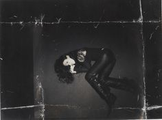 Take a peek into some great memories from Alanis' Scrapbook:  Photo shoot in London so called chaos