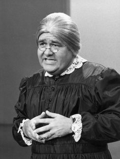 Jonathan Winters - Oh, how we will miss you.  My favorite character of all time. Maude Frickard