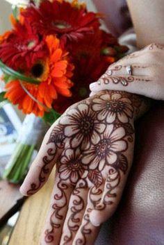 Kim B - Henna Tattoo Artists Henna Tattoo Designs, Mehandi Designs, Henna Tattoos, Tattoo Ink, Tatoos, Henna Tree, Henna Mehndi, Mehendi, How To Make Henna