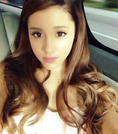Ariana pretty is selfie Picture from Ariana Grande. Ariana just a natural beauty, here in a self-pic s. Ariana Grande Images, Ariana Grande 2014, Ariana Grande Album Cover, Ariana Grande Selfie, Ariana Grande Cute, Ariana Grande Wallpaper, Arctic Monkeys, Celebs, Celebrities