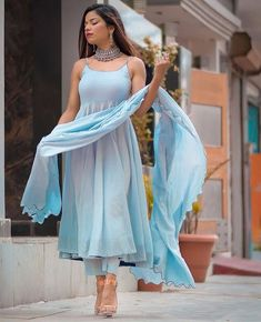 Indian Gowns Dresses, Indian Fashion Dresses, Indian Designer Outfits, Girls Fashion Clothes, Indian Outfits, Lehenga Saree Design, Pakistani Dress Design, Saree Blouse Designs, Velvet Dress Designs