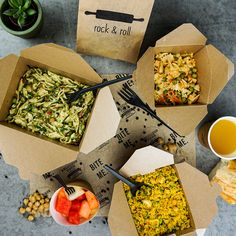 Give your take away-business a boost with stunning packages! Salad Packaging, Takeaway Packaging, Food Packaging Design, Amazing Food Photography, Food Photography Tips, Photography Logos, Pasta Shop, Rice Box, Food Truck Design