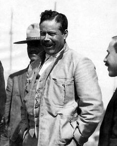Pancho Villa, Mexican American, American History, Mexican Restaurant Design, Mexican Revolution, Travel Ads, Famous Men, Old Photos, People