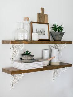 Dinning Room Shelves, Kitchen Shelf Decor, Kitchen Shelves, Floating Shelf Decor, Floating Shelves Kitchen, Dining Furniture, Dining Decor, Dinning Table, Kitchen Dining