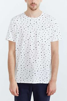 03e221c451 BDG Ditzy Print Standard-Fit Crew Neck Tee - Urban Outfitters