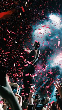 tyler joseph // josh dun // twenty one pilots Tyler Joseph, Tyler And Josh, Josh Dun, Ohio, Imagine Dragons, Pentatonix, Emo Bands, Music Bands, Twenty One Pilots Wallpaper