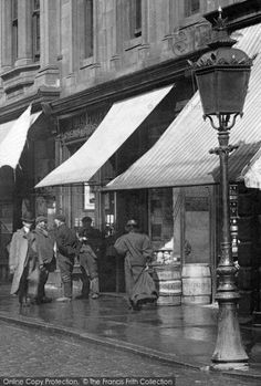 Photo of Paisley, Street Lamp 1900 from Francis Frith Paisley Scotland, Old Street, Street Lamp, Places Of Interest, England Uk, Glasgow, Old Photos, Old Things, City