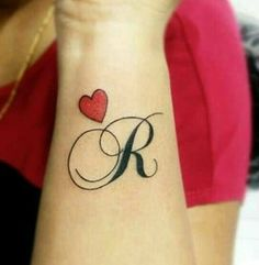 Ring Tattoo Designs, Tattoo Design For Hand, Alphabet Tattoo Designs, Tattoo Ideas, Black Ink Tattoos, Mini Tattoos, Love Tattoos, Tatoos, Finger Tattoo For Women