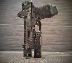 Airsoft hub is a social network that connects people with a passion for airsoft. Talk about the latest airsoft guns, tactical gear or simply share with others on this network Weapons Guns, Guns And Ammo, Airsoft Guns, Glock Mods, Armas Ninja, Custom Guns, Custom Glock 19, Military Guns, Cool Guns