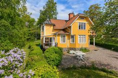 House in Loftahammar, Sweden, built in 1909.