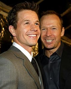 Mark Wahlberg and Donnie Wahlberg - I think Donnie is cuter Donnie And Mark Wahlberg, Donnie And Jenny, Wahlberg Brothers, Celebrity Siblings, Pose, Celebrities Then And Now, Music People, Raining Men, New Kids