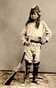 Very young Apache scout, He looks sooo young! Native American Ancestry, Native American Photos, Native American Tribes, American Indian Art, Native American History, Navajo People, Before Us, First Nations, Westerns
