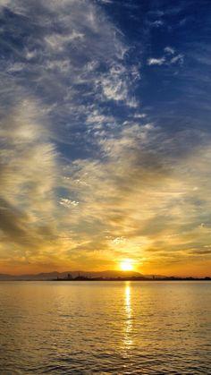 16 Oct. 6:40 博多湾日の出です。 #sunrise ( Morning  at Hakata bay in Japan )