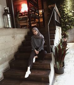 Hijab Style Dress, Modest Fashion Hijab, Modern Hijab Fashion, Street Hijab Fashion, Casual Hijab Outfit, Hijab Fashion Inspiration, Ootd Hijab, Muslim Fashion, Hijab Chic