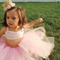 Birthday Tutu Set in Birthday Pink - Bow Tutu Skirt and Sparkle Crop Top Set Pink Gold Cake, Pink Gold Party, Pink And Gold Birthday Party, Birthday Tutu, Short Gold Prom Dresses, Metallic Prom Dresses, Princess Tea Party, Princess Birthday, Princess Party Decorations