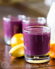 1 cup original almond milk (or water) 1 Tbsp chia seeds  1 banana, peeled 2 oranges (or 3 clementines), peeled 2 cups frozen blueberries