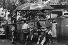 On The Road Coke Pause an einem mobilen Straßenstand