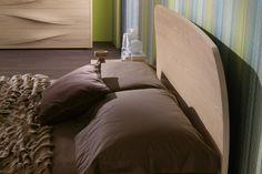 Camera da Letto matrimoniale moderna 401 - dettaglio testiera in multistrato di vero legno | Napol.it