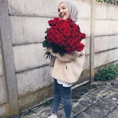 WEBSTA I love you papa�you'll always be the king of my . Hijab i love u hijab Casual Hijab Outfit, Casual Skirt Outfits, Hijab Chic, Muslim Fashion, Modest Fashion, Girl Fashion, Fashion Outfits, 90s Fashion, Muslim Girls