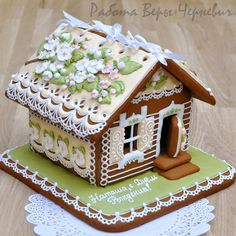 icu ~ Springtime gingerbread house in 2019 Gingerbread House Parties, Christmas Gingerbread House, Gingerbread Man, Gingerbread Cookies, Fancy Cookies, Cute Cookies, Easter Cookies, Christmas Desserts, Christmas Treats