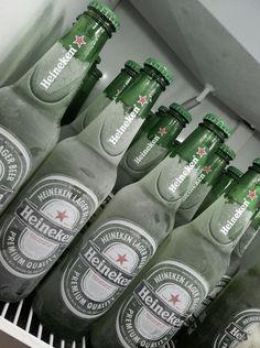 Heineken The best beer ever Alcohol Aesthetic, Beers Of The World, Best Beer, Beer Lovers, Free Food, Liquor, Vodka, Cocktails, Tumblr